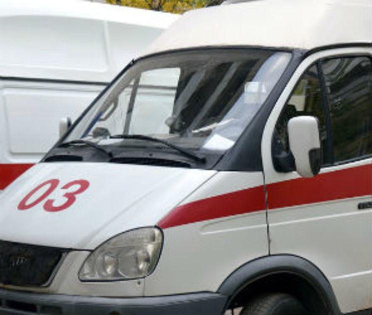 На Остужева в ночном ДТП пострадали  две девушки и парень