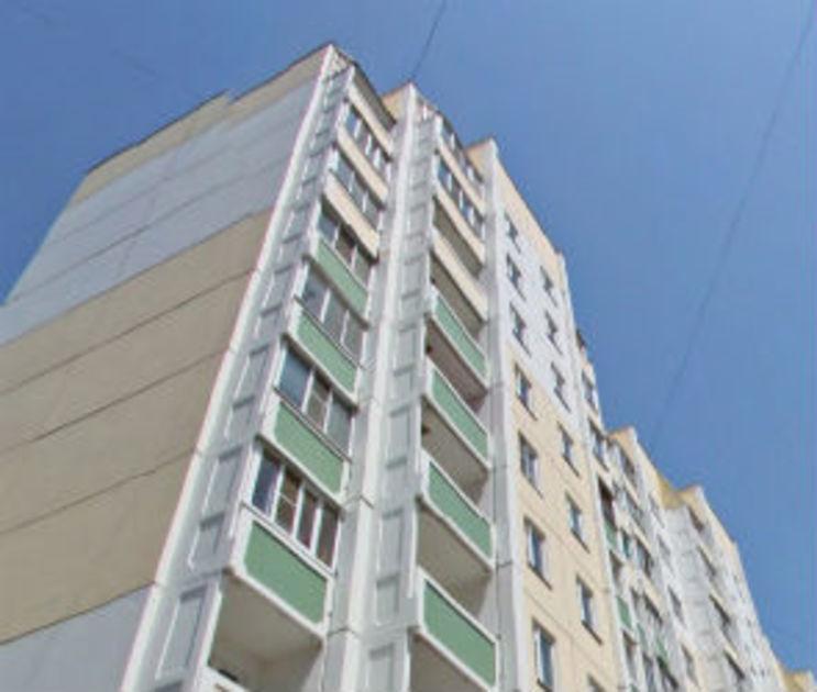 В Воронеже мужчина разбился, выпав с 8 этажа