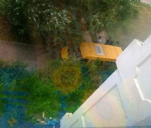 В Воронеже мужчина разбился, выпав из окна многоэтажки