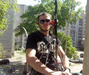 Воронежцу, чудом выжившему после падения с 9 этажа, собирают деньги на операцию