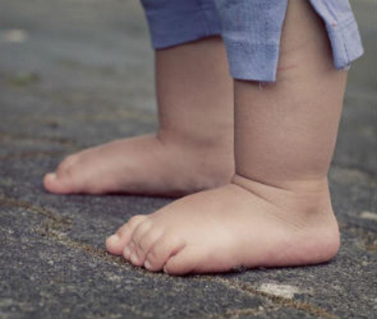 В Воронежской области малыш отравился неизвестным веществом на прогулке