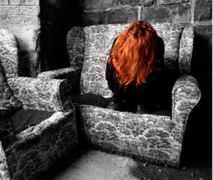В Воронеже будут судить учителя за доведение школьницы до попытки суицида