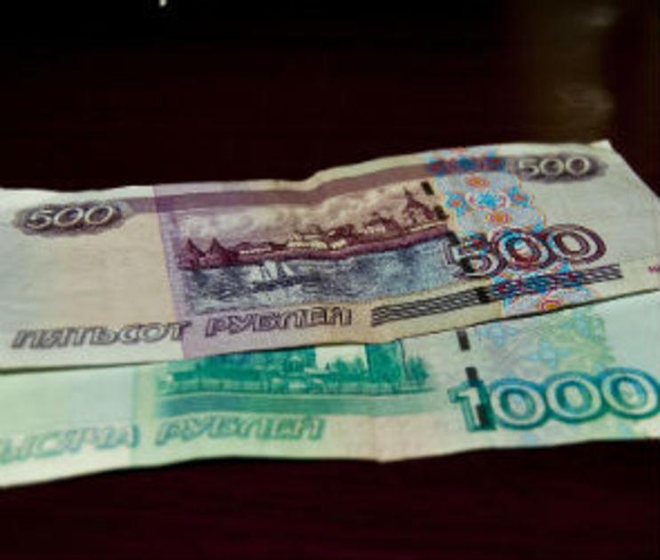 За взятку в 500 рублей полицейскому воронежца посадили в тюрьму на полгода