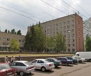 В воронежской поликлинике у регистратуры умерла женщина