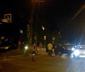 В День ВДВ иномарка с десантниками врезалась в ЗИЛ в Воронеже