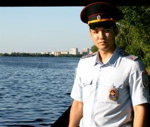 В Воронеже полицейский спас тонущего у Северного моста купальщика