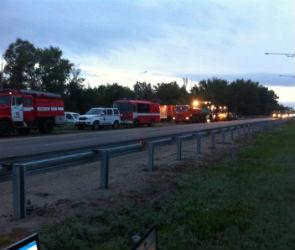 Появилось видео с места крупного ДТП на трассе М-4 Дон в Воронежской области