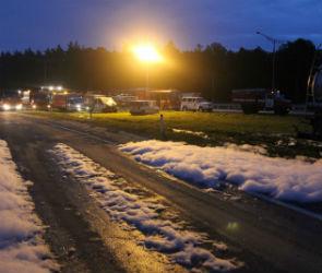 В ДТП с разливом стирола под Воронежем пострадали три человека