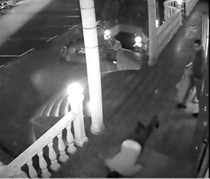 В Сети появилось видео жестокого убийства в воронежском кафе