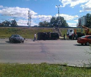 В Воронеже из-за ДТП с перевернувшейся ГАЗелью образовалась огромная пробка