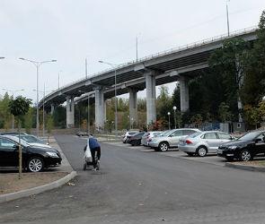 В Воронеже запретили въезд на парковку у парка «Динамо»