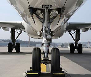 Известны детали задержания за долги самолета «Грозный авиа» в аэропорту Воронежа