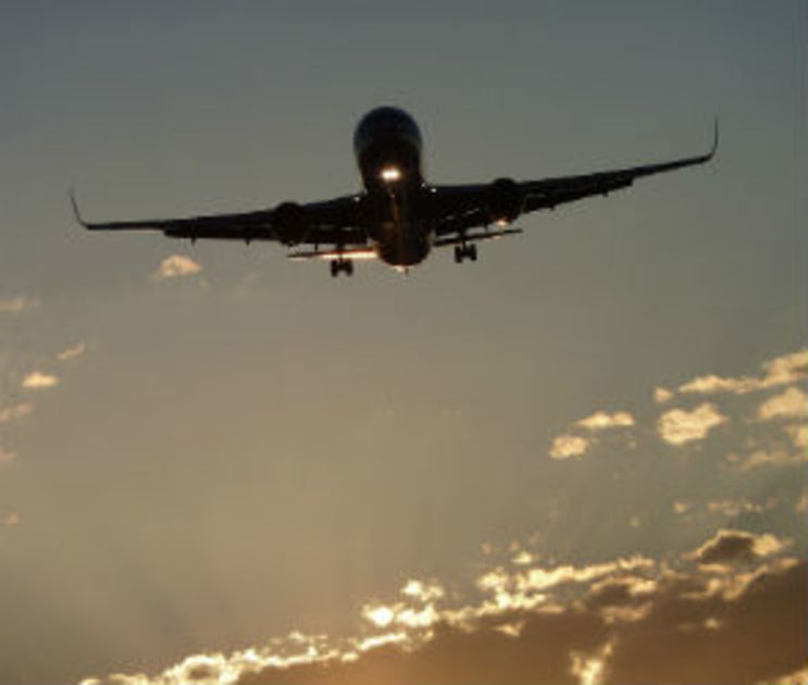 Задержанный в Воронеже самолет вылетел в Чечню