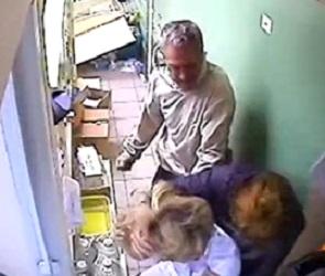 В Сети появилось видео жестокой расправы над медиками в Воронеже