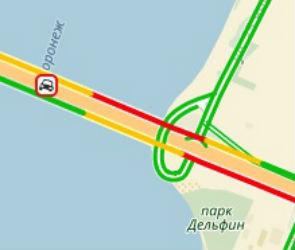 Из-за ДТП с бетономешалкой на Северном мосту образовалась пробка