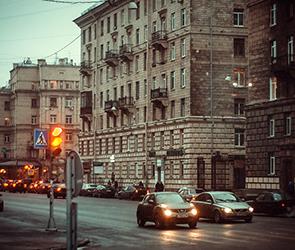 Голая дама из Воронежа пострадала в уличной погоне за цыганкой в Петербурге