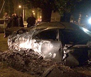 Пьяный воронежец на «Хонде» снес два столба, в ДТП пострадала девушка