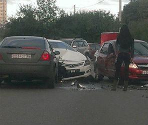 Массовое ДТП на улице Ломоносова спровоцировало огромную пробку