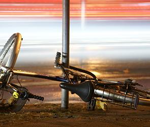 Полиция расследует ДТП на воронежской трассе с погибшим 20-летним велосипедистом