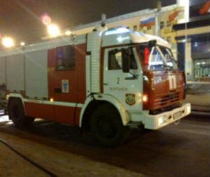 В Воронеже из горящей многоэтажки спасатели эвакуировали жильцов