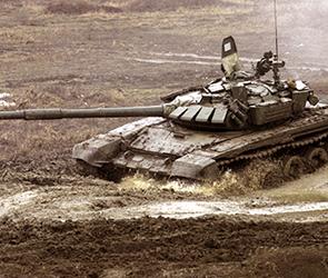 Под Воронежем 150 танковых экипажей ЗВО устроили «зачетную танковую дуэль»