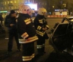 На Димитрова автоледи врезалась в фуру: пострадали два человека
