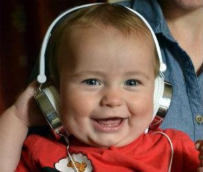 В Воронеже детей учат музыке с 11-ти месяцев