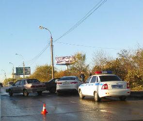 Стали известны подробности массовой аварии на улице Березовая Роща