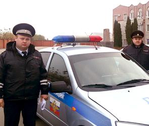 Инспектор ДПС и его жена спасли человека, сбитого неизвестным в центре Воронежа