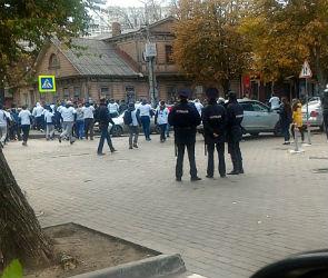 Перед матчем «Факел» - «Динамо» болельщики устроили драку со стрельбой
