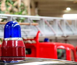 Водитель грузовика пострадал при пожаре на стоянке воронежской трассы
