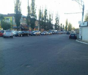 Из-за множества ДТП парализовано движение на нескольких улицах левого берега
