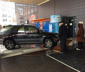 Стали известны подробности ДТП с Lexus на Центральном рынке в Воронеже