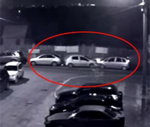 Появилась запись, как воронежец на Opel разбивает три машины, виновника ДТП ищут