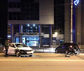 В сети появились фото ДТП с участием пьяной автомобилистки в центре Воронежа