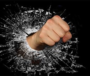 Воронежец разгромил дом бывшей жены, уничтожив мебель, плазменный ТВ и технику