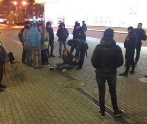 В Воронеже трое школьниц устроили пьяный дебош у «Аксиомы»