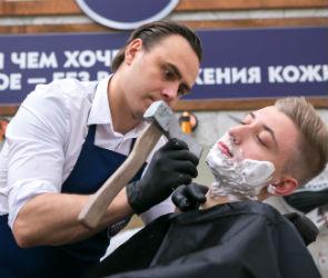 Смелых воронежцев приглашают на бритье топором и кинжалом