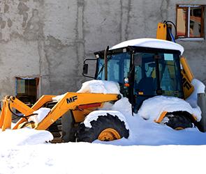 В Воронеже из-за отсутствия эвакуаторов убирать снег придется по ночам
