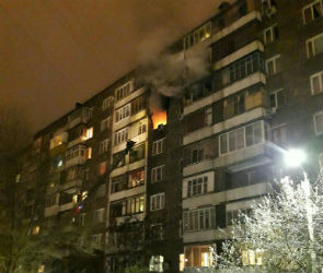 В Воронеже из-за пожара эвакуировали жильцов многоэтажки