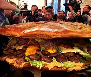 Каждая порция воронежского «Царь-бургера» обошлась в 1600 рублей