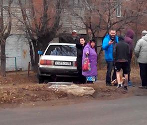 Полиция Воронежа разбирается в драке и перестрелке между водителем и пешеходами
