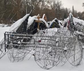 На могиле погибшего в Ингушетии воронежского спецназовца сгорели венки