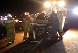 Под Воронежем иномарка врезалась в аварийную фуру с прицепом, есть жертвы