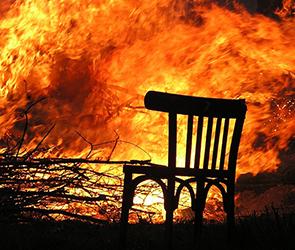 Полиция выясняет причины пожара и гибели человека в воронежском селе