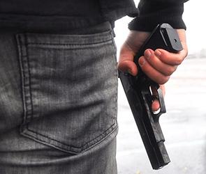 На воронежском кладбище виновник ДТП стрелял по потерпевшему, вымогая деньги