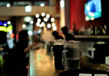В воронежском кафе парень ударил танцующую женщину кружкой по голове