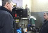 Воронежские активисты нашли на сервисе шиномонтажа магазин поддельного алкоголя