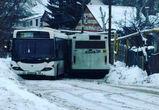 В Сомово два 90-х автобуса, столкнувшись, перекрыли движение