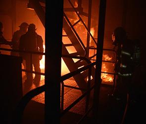 В Воронеже расследуют пожар на улице Мира: один человек погиб, 10 спасены